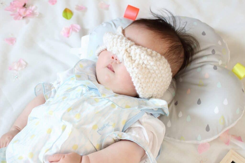 赤ちゃん用ヘアバンドの上手な付け方