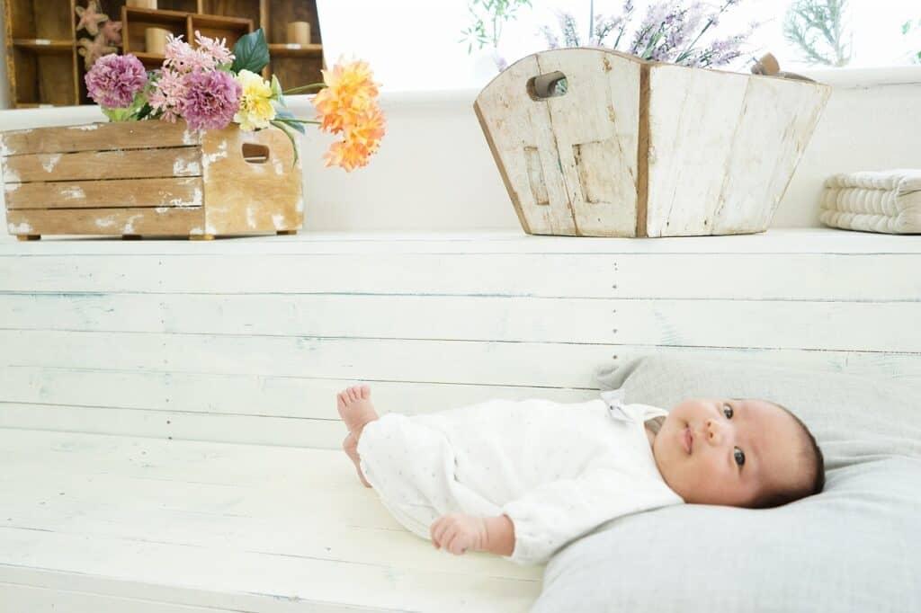 赤ちゃんが首すわりをする前後の注意点は?