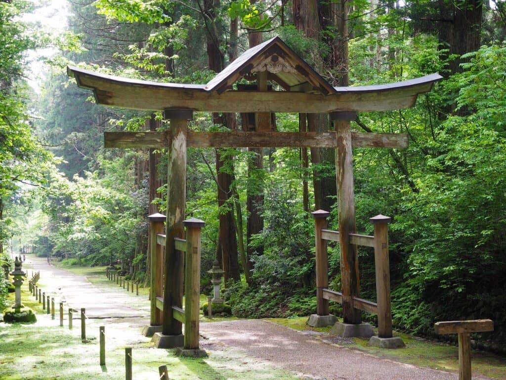 なぜ子宝神社、子授け寺があるの? 一般の寺社へのお参りではダメ?