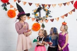 保育園・幼稚園のハロウィンは何をするの? おすすめ仮装衣装12選も紹介