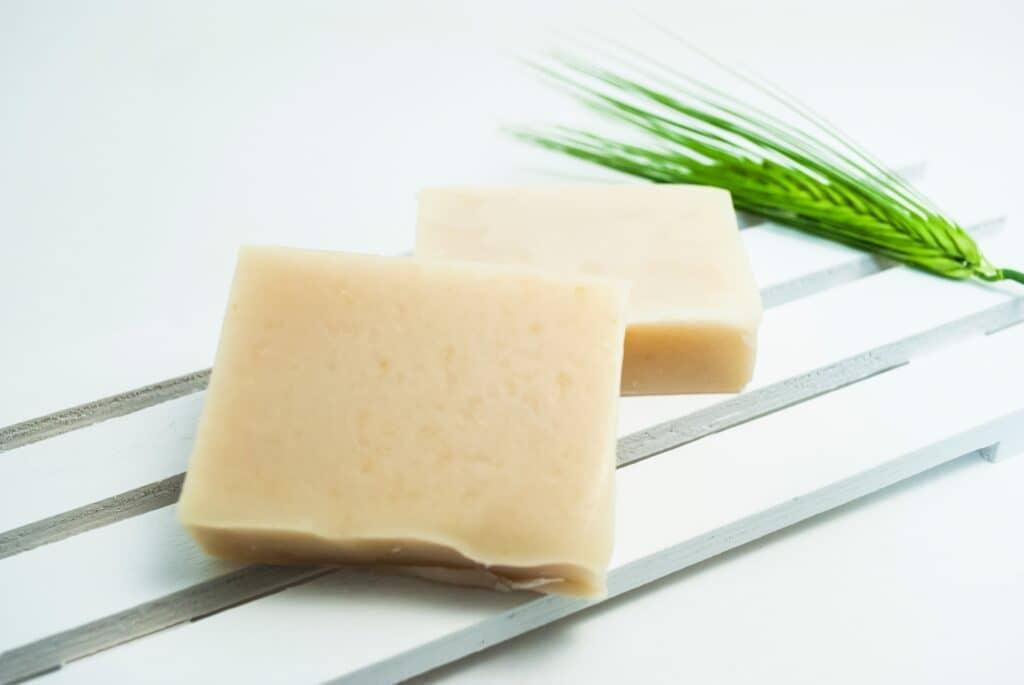 肌に優しい低刺激の石鹸を使う
