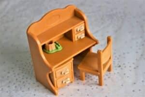 小学生の学習机はいる? いらない? 学習机の実態とタイプ別のおすすめを紹介