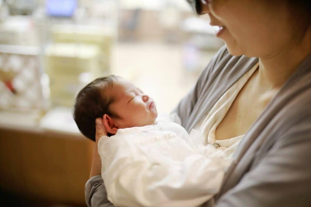 今すぐできる新生児のくしゃみ対処法