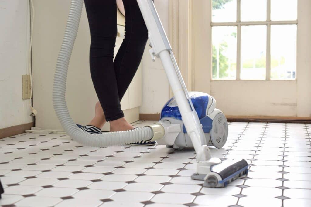 部屋のほこりを掃除する時のコツ
