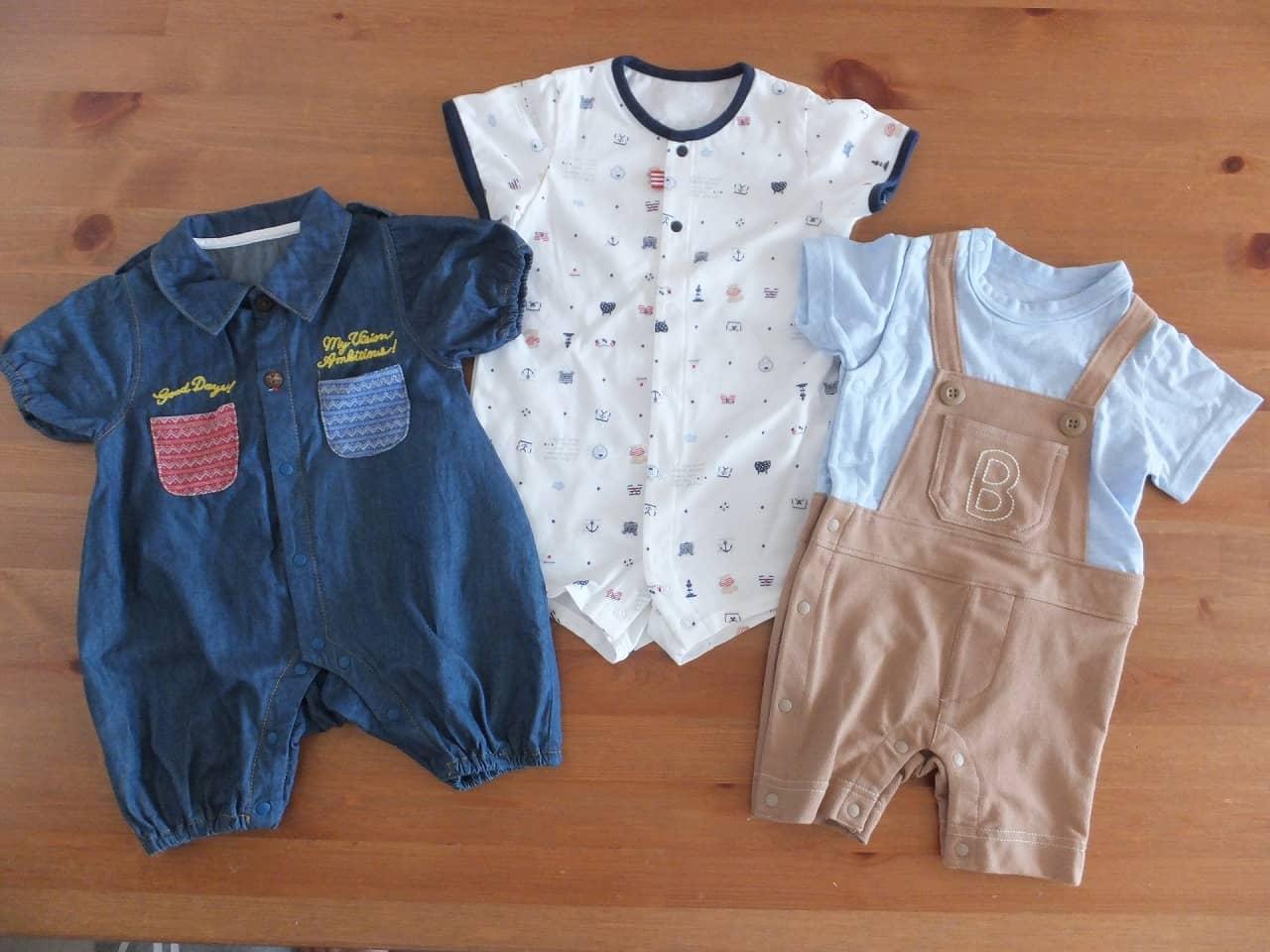 【国内・海外】赤ちゃんの服のサイズ一覧表 月齢別の選び方も解説