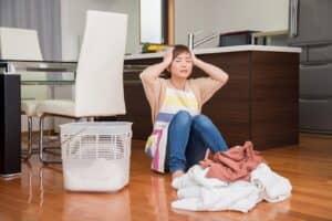 洗濯物の生乾き臭が気になる。服を部屋干しする時のコツ