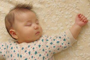 赤ちゃんのベビーマットはいつから使う? おしゃれなベビーマット15選&選び方のコツ