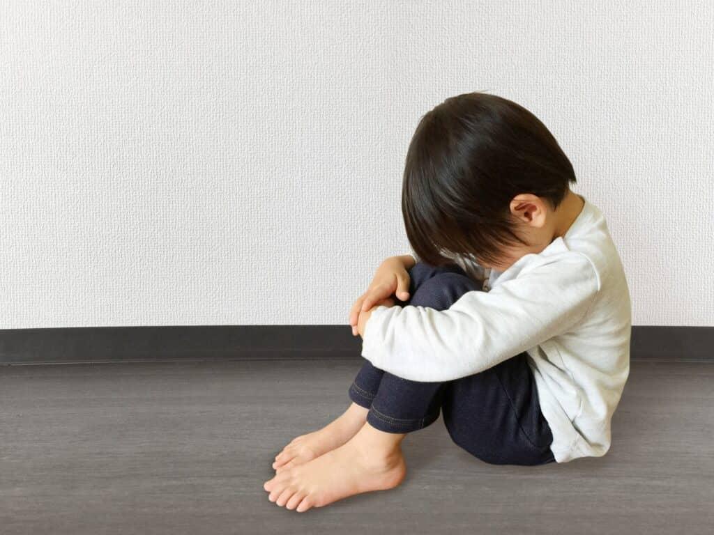親の愛情に不安を抱くようになる
