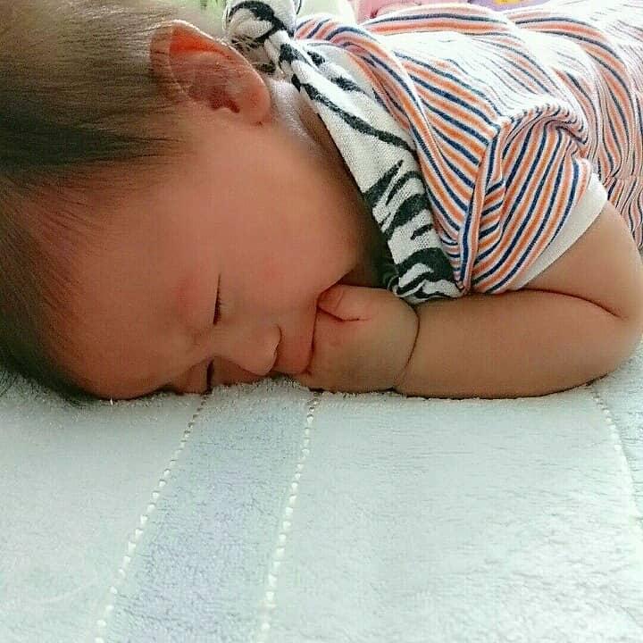 赤ちゃんがミルクや母乳を吐くことを予防する方法はあるのか