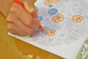 育児の息抜きに「大人の塗り絵」がおすすめ! 無料でダウンロードできる大人の塗り絵やおすすめの色鉛筆も紹介!