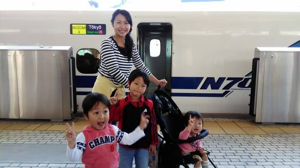 子供と一緒に新幹線に乗ったパパママの声!