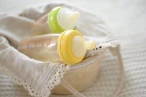 赤ちゃんの出産準備品を生まれ月別に紹介! 本当に必要なベビー用品はどれ?