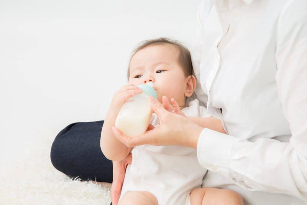 先に母乳やミルクをあげてみる