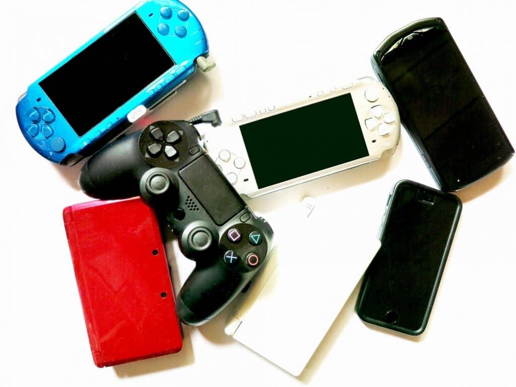 携帯電話やスマホとの違い