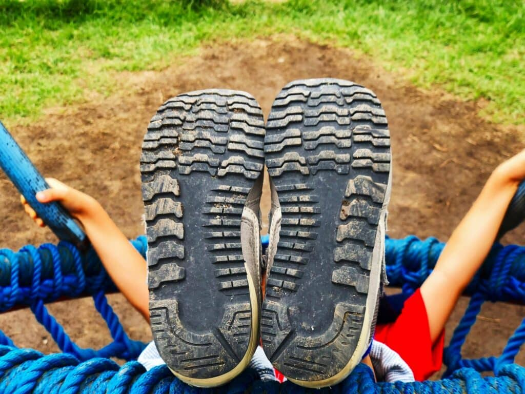 ママたちがやっている子供靴の臭い対策