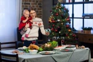 クリスマスパーティーの準備は何をする? 子供が喜ぶ飾りつけやメニューのアイデアを解説!