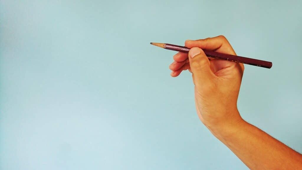 鉛筆の正しい持ち方とは