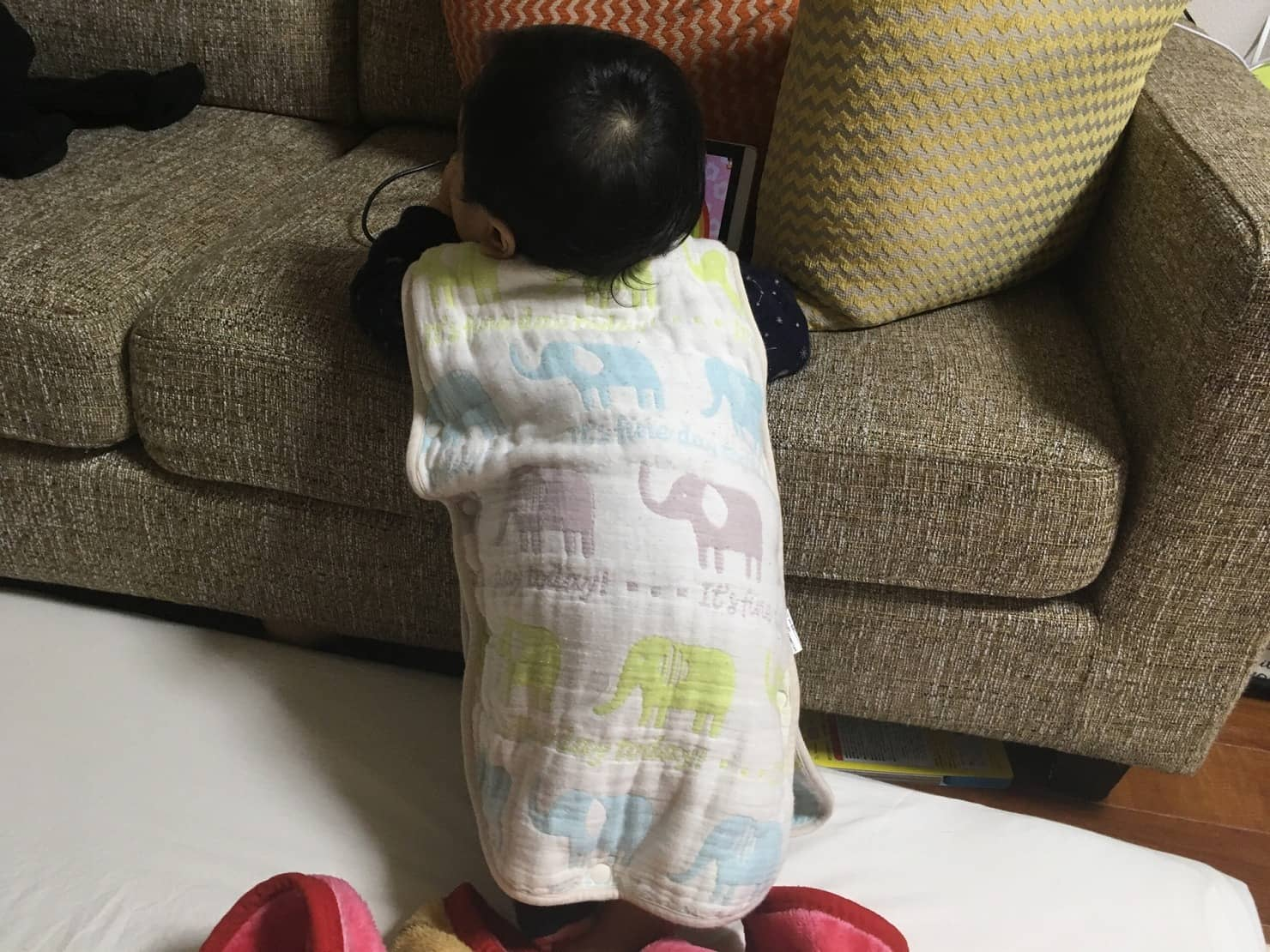 スリーパー(着る毛布)の赤ちゃんへのメリットは? 季節や年齢に合った選び方やおすすめを紹介!