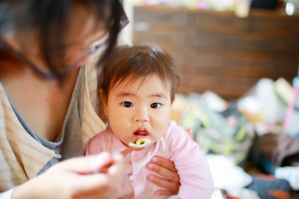 年齢別で調査! 子供や赤ちゃんの遊び食べにどう対応した?