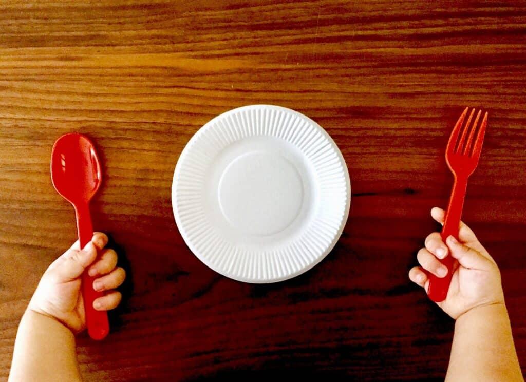 2歳児がご飯を食べてくれない時の対処法は?