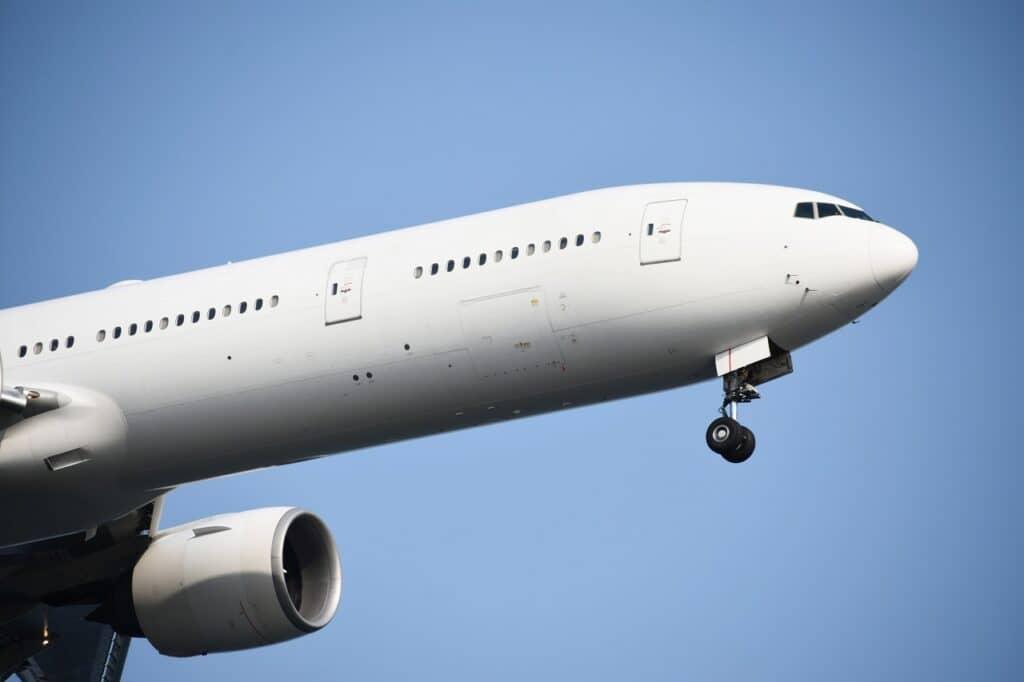 飛行機の子供料金:一般航空会社(ANA・JAL)