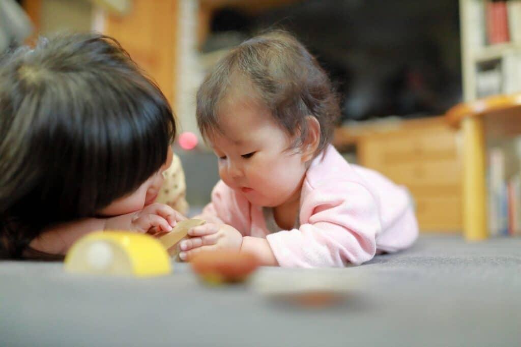 生後8ヶ月の赤ちゃんの発達と特徴