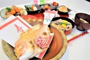 お食い初めの鯛は自分で焼く? 注文する? 焼き方や飾り付けも紹介!