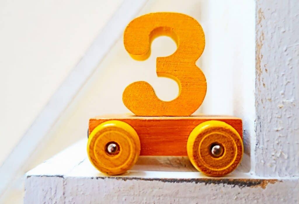 3歳児の平均身長や平均体重を0歳、1歳児、2歳児と比較