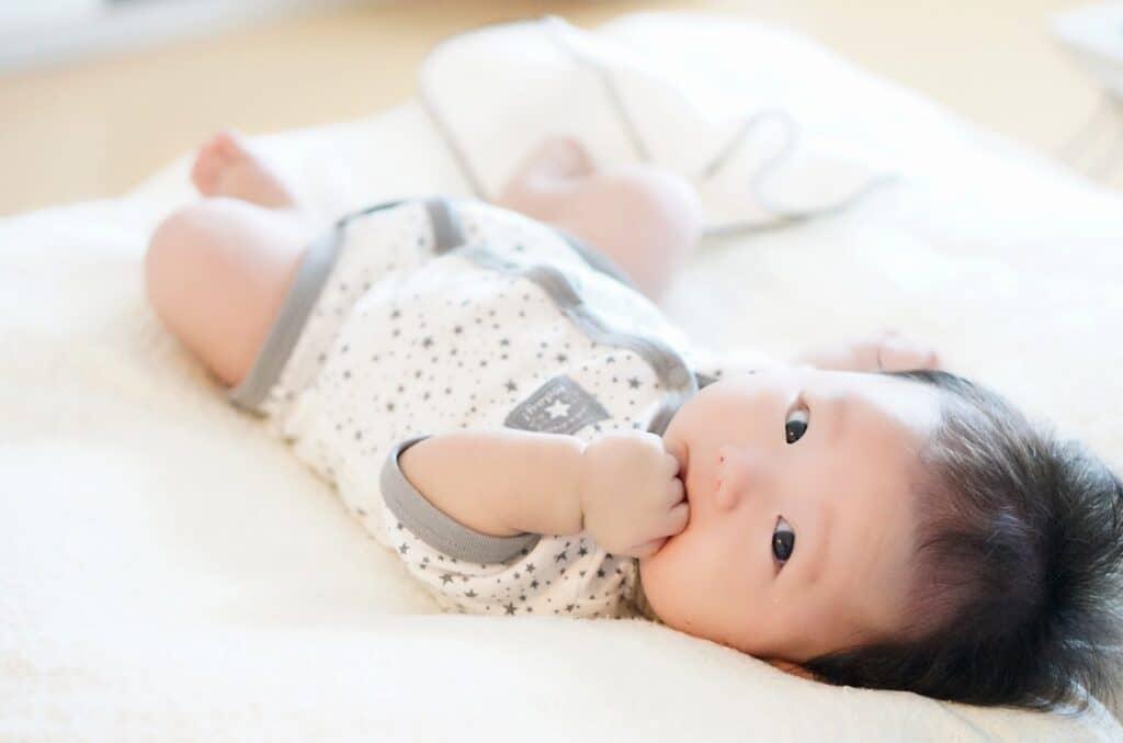生後4ヶ月の赤ちゃんの成長目安