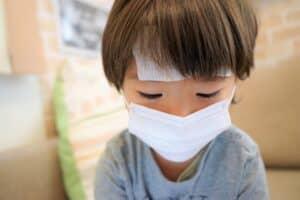 溶連菌感染症ってどんな病気? 登園禁止期間は? 症状や注意点などを紹介