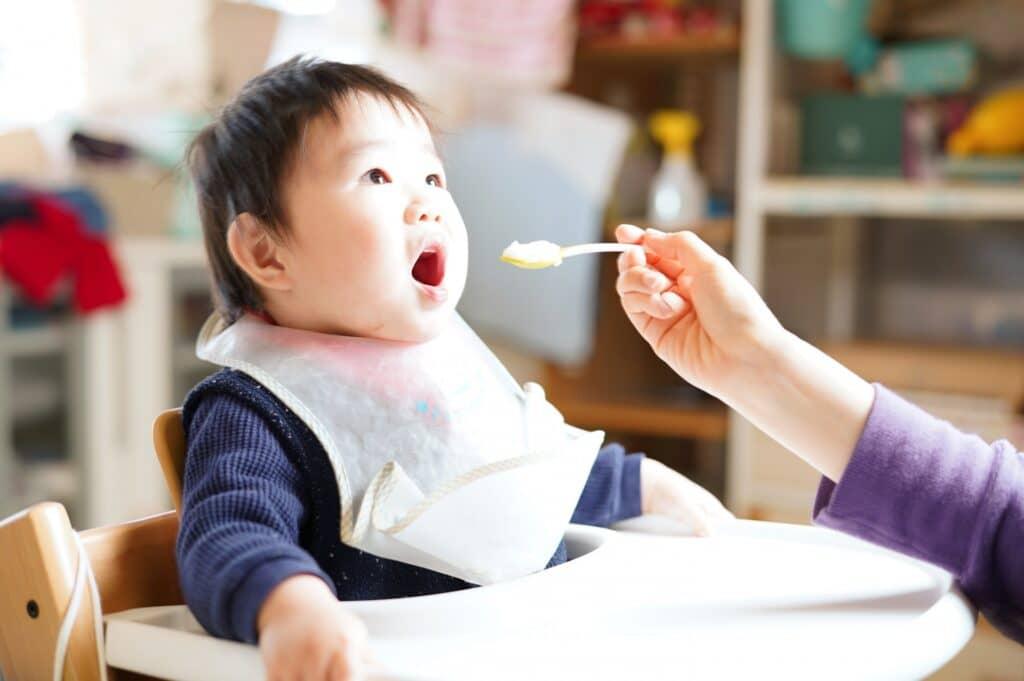 離乳食で豆腐はいつから食べていいの?