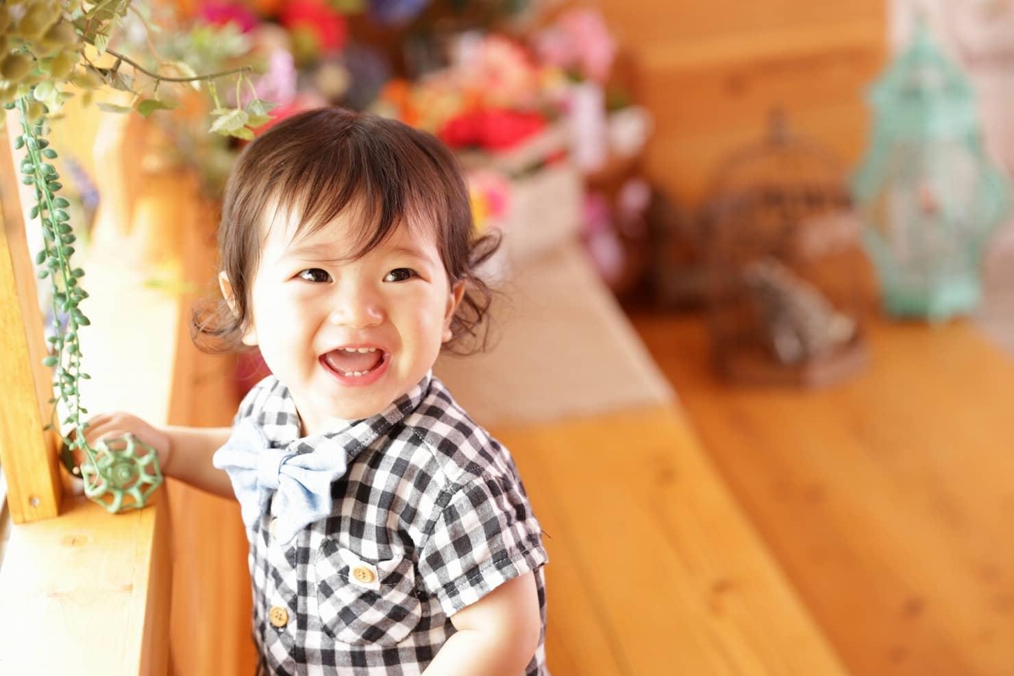 1歳0ヶ月 生後12ヶ月 の赤ちゃんの成長とお世話 食事量の目安や遊び方は はいチーズ Clip
