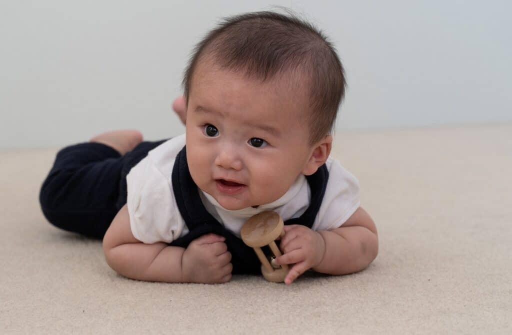 生後8ヶ月の赤ちゃんの成長目安