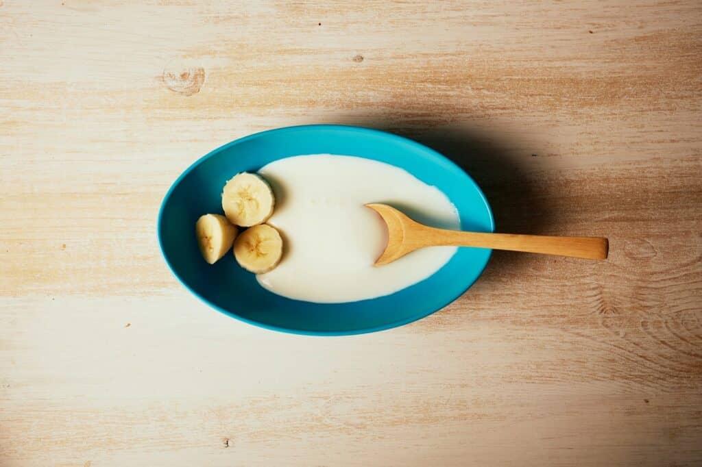 離乳食で生のバナナが食べられるのはいつから?