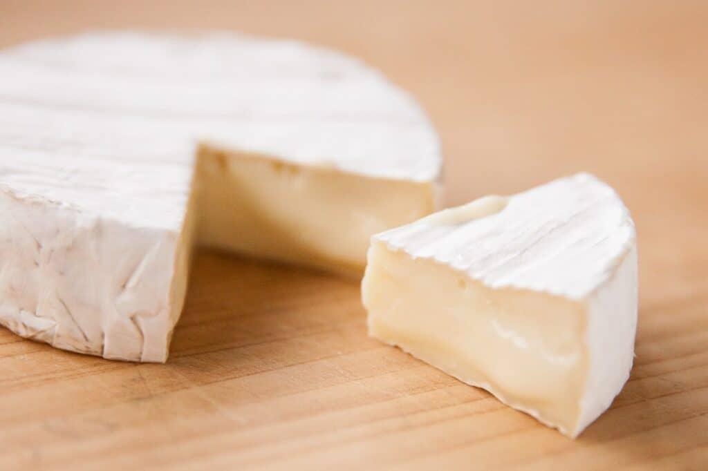 カマンベールチーズ(離乳食には不向き)