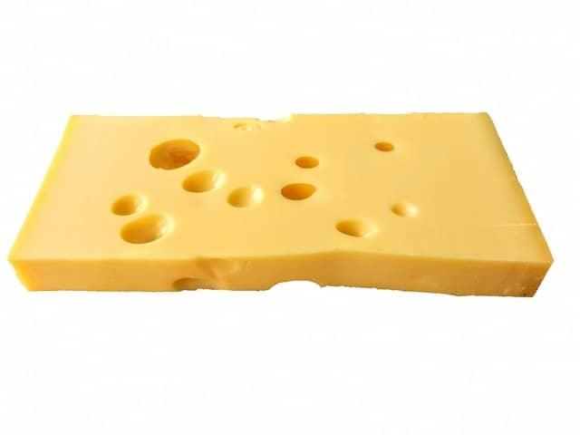 離乳食でチーズはいつから使える? 種類やレシピ、注意点を紹介