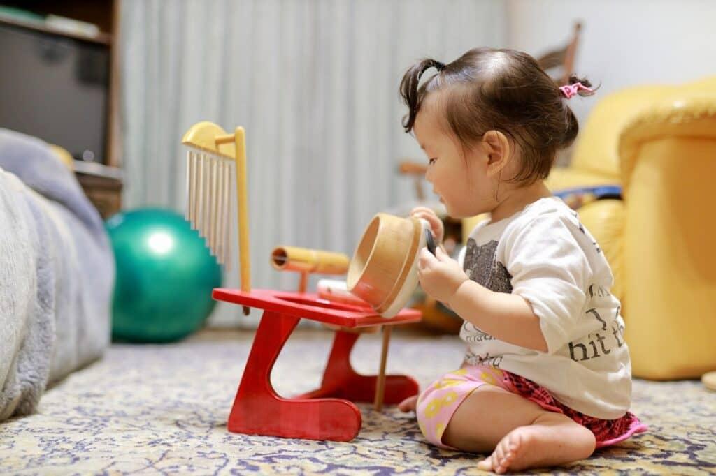 生後12ヶ月(1歳0ヶ月)の赤ちゃんの発達と特徴
