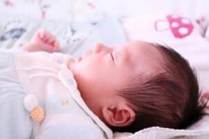 赤ちゃんのベビーモニターを機能と価格で比較! デジタルとアナログ、1way・2wayのどちらがおすすめ?