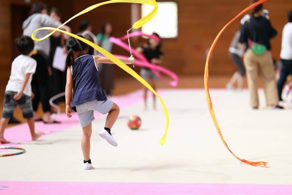 子供の体操教室の種類:新体操