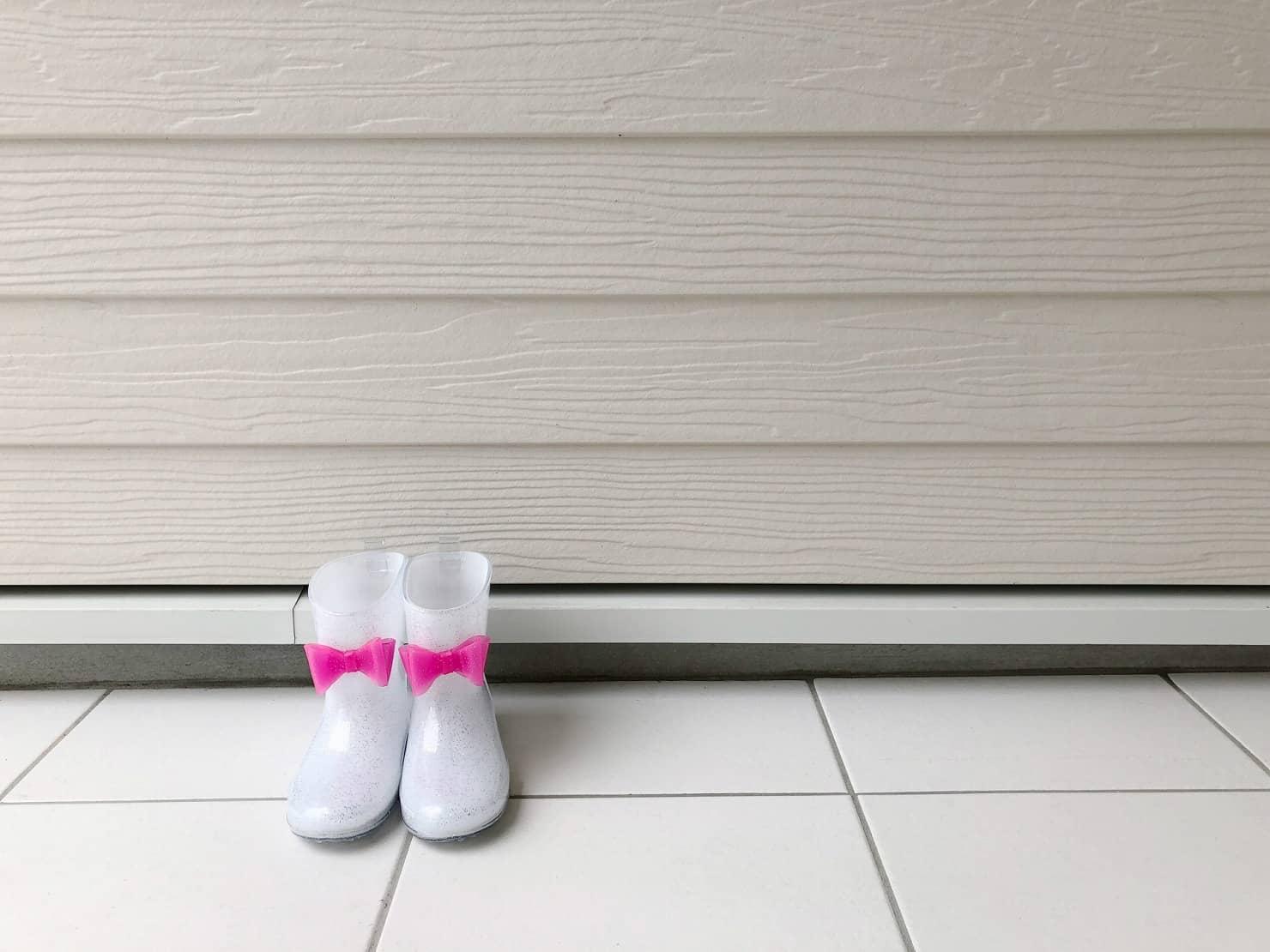 子供のおしゃれな長靴おすすめ17選! サイズや選び方、レインブーツの人気ブランドは?