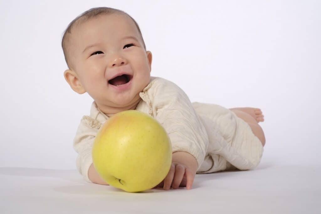 生後4ヶ月の赤ちゃんの発達の特徴