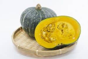 離乳食のかぼちゃはいつから? 初期・中期・後期以降のレシピや下ごしらえのコツも紹介