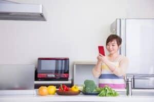 人気の離乳食アプリはどれ? 離乳食の進め方がわかるおすすめのアプリ6選