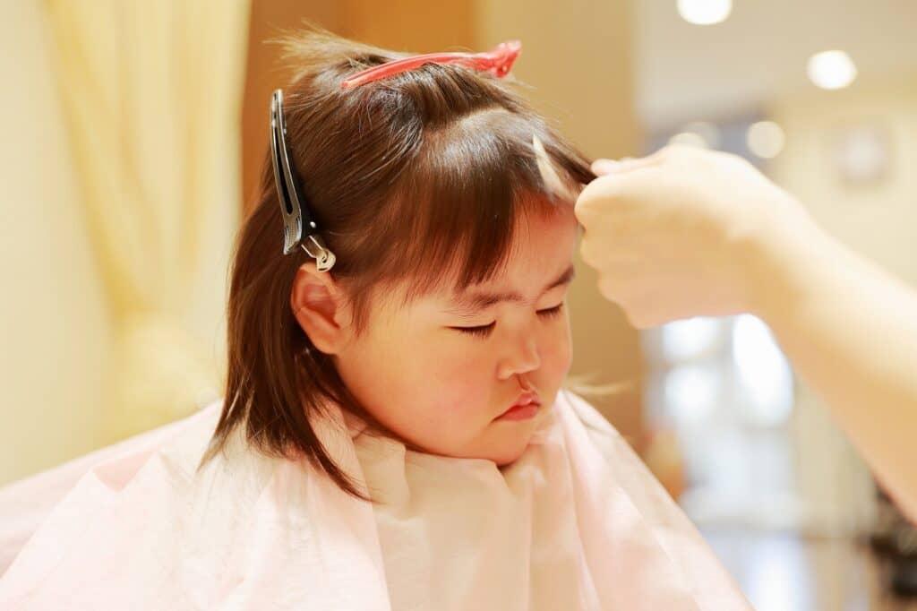 赤ちゃんの髪の毛の切り方について