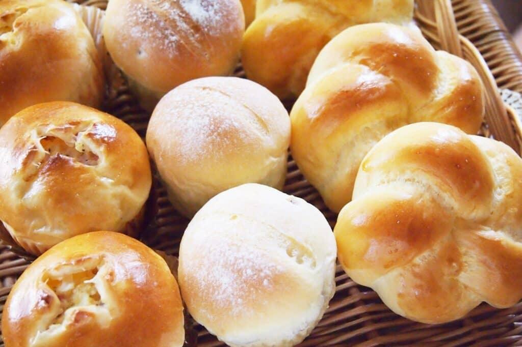 離乳食で食べられるパンの種類と時期まとめ