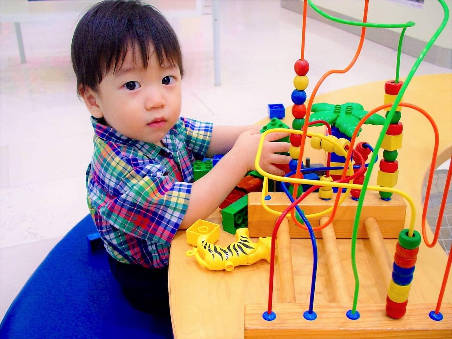 1歳半の子供におすすめなおもちゃ7選! 男の子女の子別に人気なおもちゃをご紹介