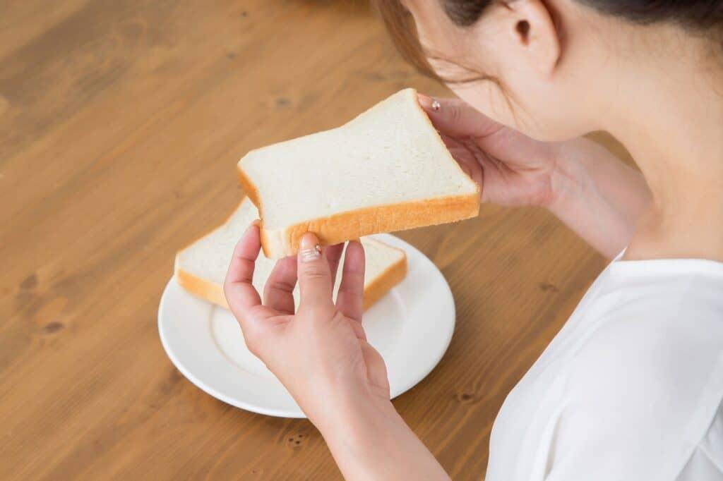 離乳食で使える食パンの量は?