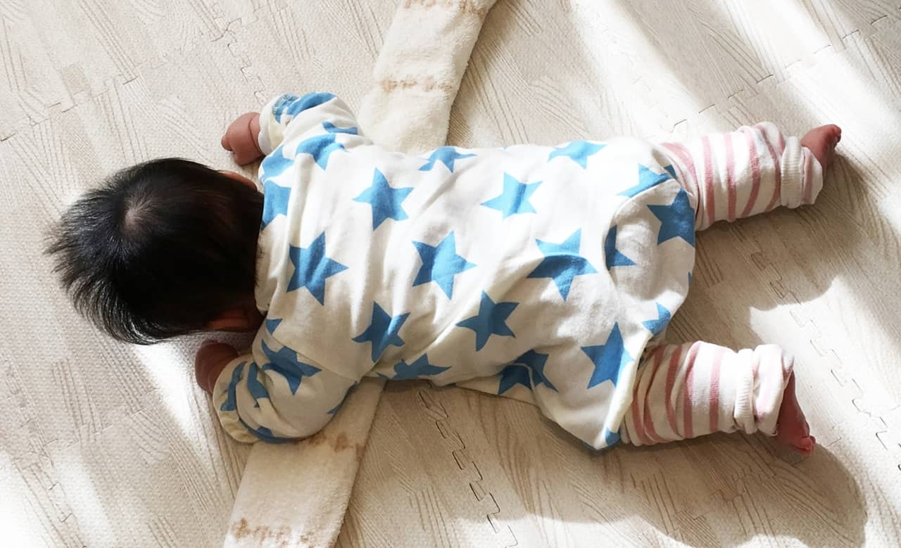 赤ちゃん用のレッグウォーマーが人気? 使い方や選び方は? 手作りもおすすめ