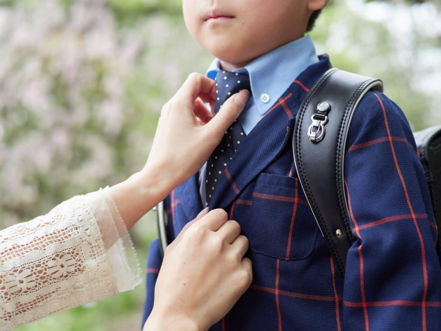 【2020年小学校の入学式の服装】男の子におすすめのスーツ19選。ズボン丈やベストなど入学式用スーツの選び方