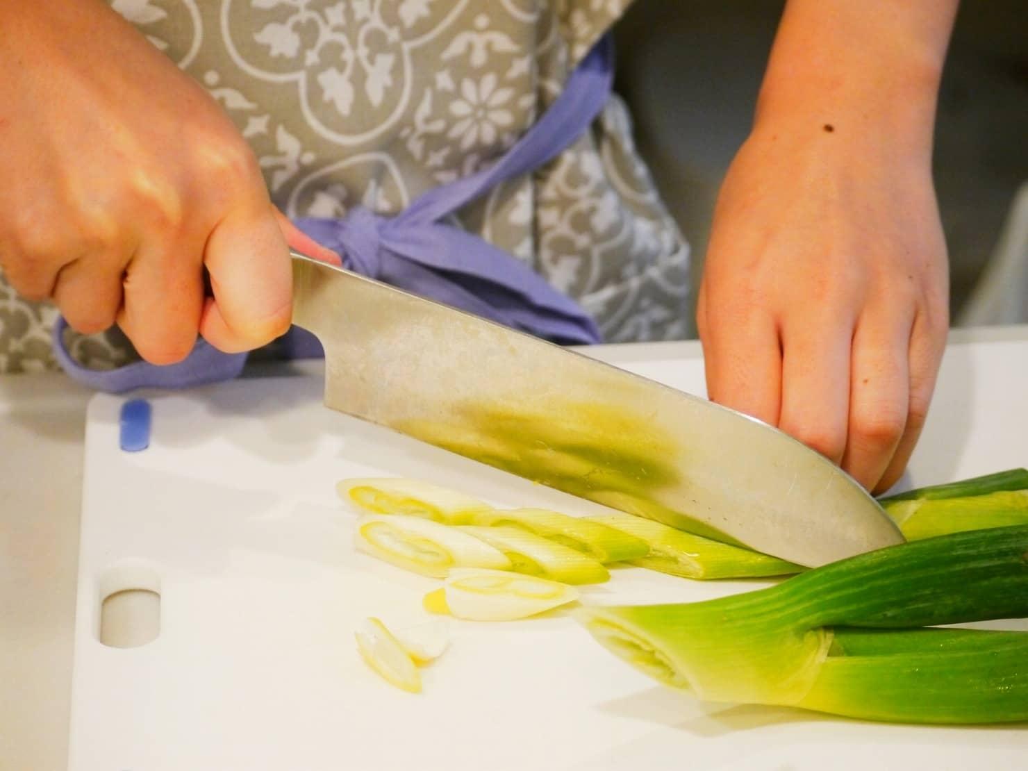 残った食材で料理が作れるママ